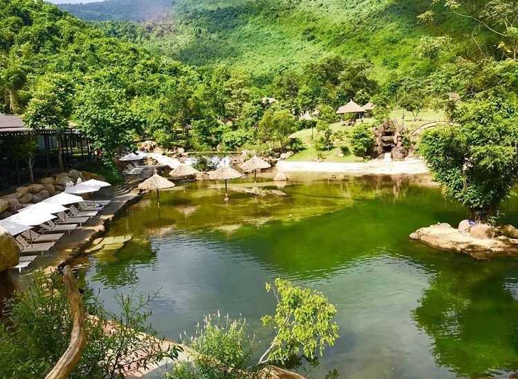 Thác trượt Bạch Mã - Lạc vào xứ sở thần tiên Bạch Mã Village