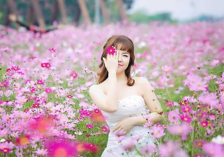 Vườn hoa bãi đá sông hồng, nơi vui chơi cuối tuần của Hà Nội