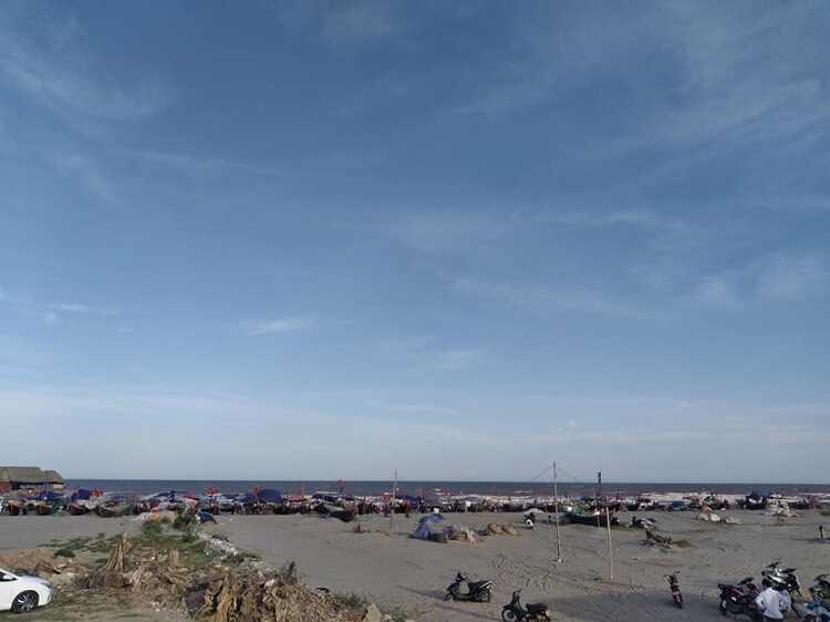 Bãi biển Quất Lâm nằm ở đâu?