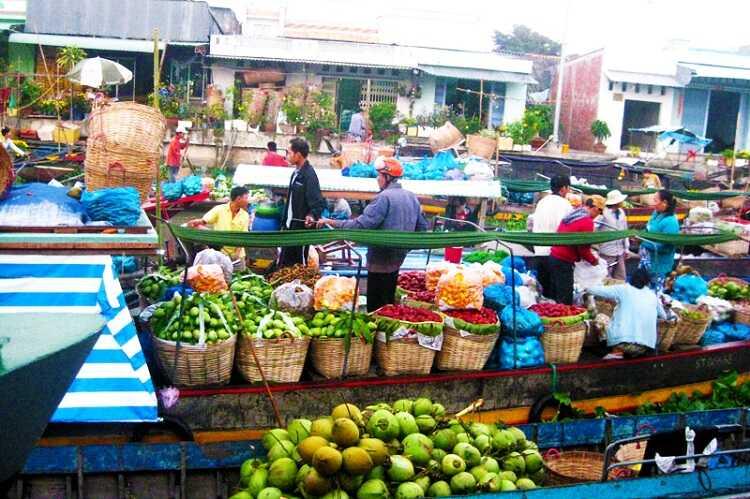 Chợ nổi Trà Ôn