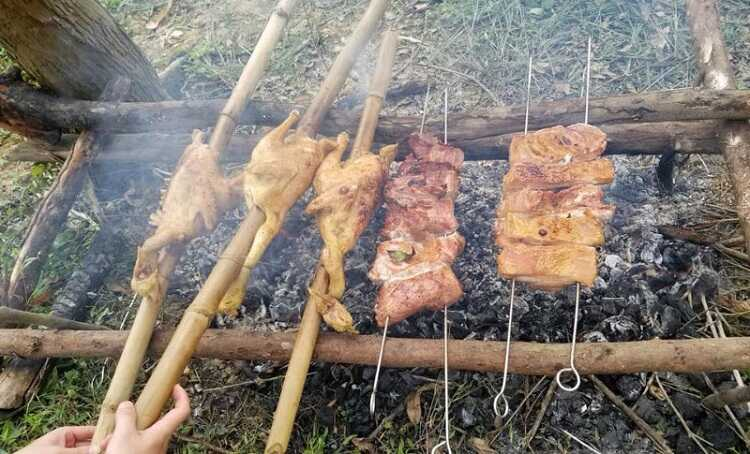 Gà đồi nướng