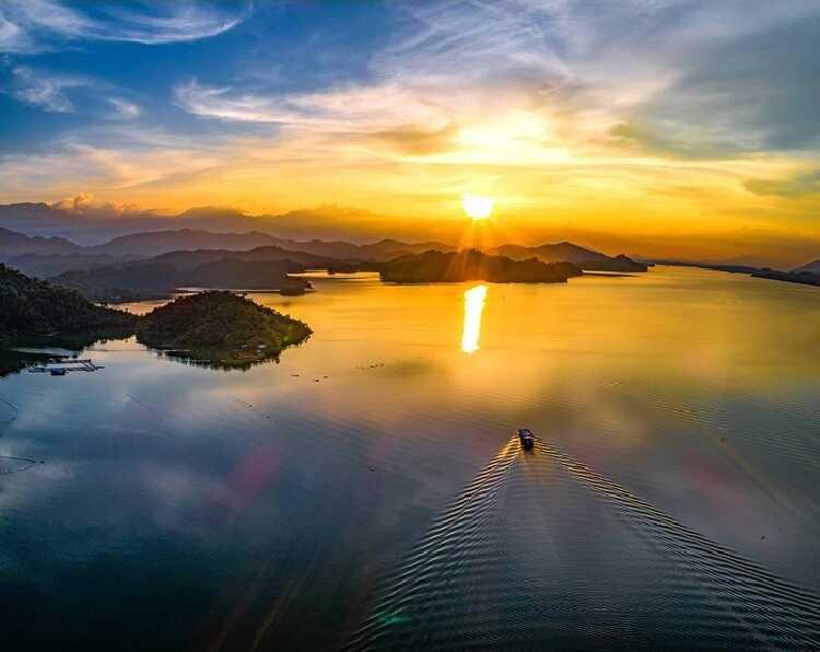Hồ Núi Cốc, nơi mà được mệnh danh là tuyệt tình cốc Thái Nguyên