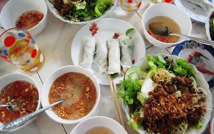 Bánh ướt thịt nướng Kim Long