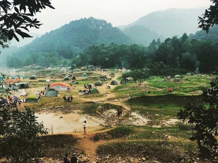 Núi Hàm Lợn, điểm leo núi cắm trại sống ảo cực đẹp ở Hà Nội