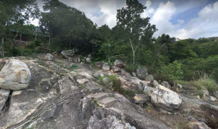 Khu du lịch Núi Sam