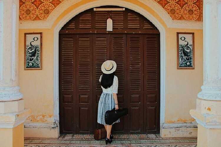 Nhà cổ Bình Thủy, điểm tham quan check in chụp hình siêu ảo ở Cần Thơ